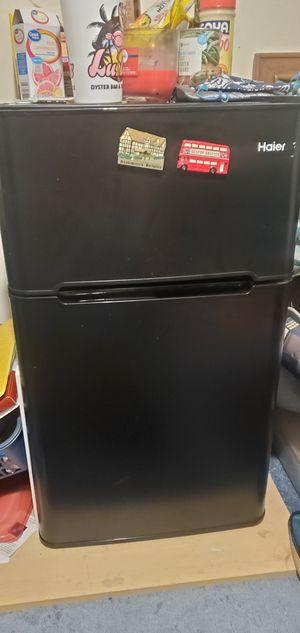 Haier mini fridge for Sale in Tampa, FL