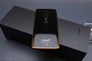 Oneplus 7t Pro Mclaren 5G - Tmobile Paid Off - Clean IMEI for Sale in Glendale, AZ