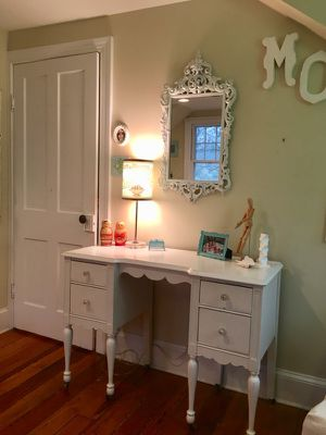 Sold - white desk/dressing table for Sale in Catonsville, MD