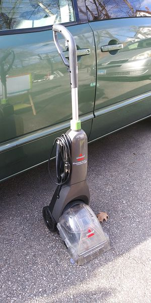 Bissell carpet cleaner for Sale in Elgin, IL