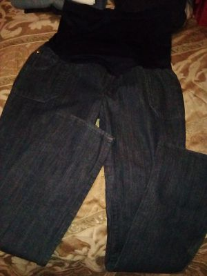 Size 8 maternity pants 3$ for Sale in Stockton, CA