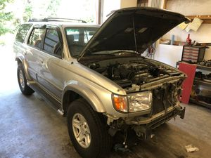 Parting 2001 Toyota 4Runner for Sale in Marysville, WA