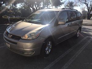 2005 Toyota Sienna XLE , Clean Title 214 k for Sale in Glendora, CA
