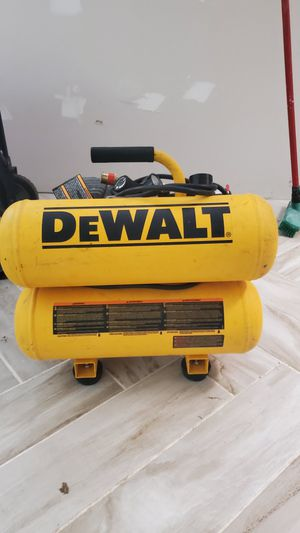 Dewalt 4Gallon 14AMP COMPRESSOR for Sale in Richmond, TX