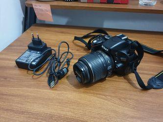 Nikon D5100 20mp CMOS for Sale in Los Angeles,  CA