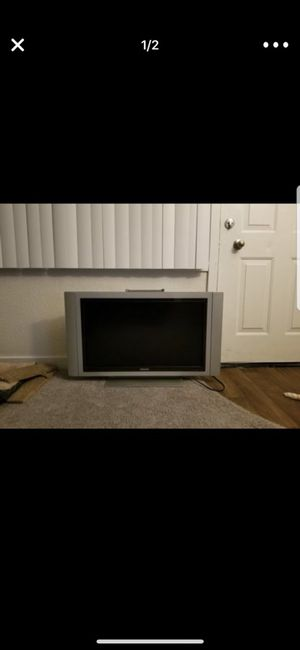 32 inch tv for Sale in Seattle, WA