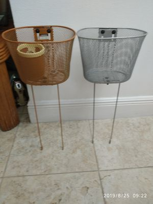 26 inches bicycle baskets. for Sale in Pompano Beach, FL