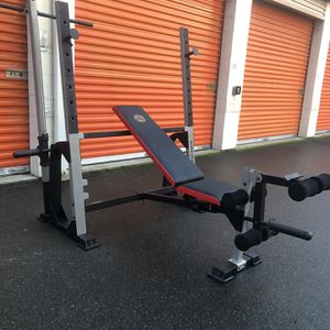 Gold's Gym Olympic Weight Bench w/Leg Developer / Squat Stand / Lat Pull Down for Sale in Lynnwood, WA