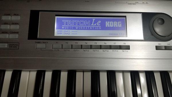 Korg Triton LE Music Workstation Synthesizer with Gator Keyboard Case