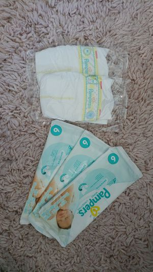 Pampers wipes set for Sale in Morton Grove, IL