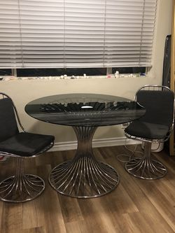 Mid Century Vintage Chrome Dinning Table And Chairs for Sale in Torrance,  CA