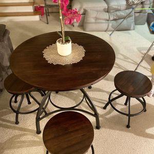 Table for Sale in Warren, MI