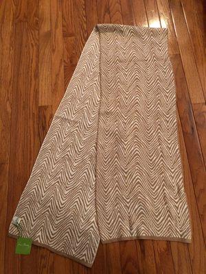 New Vera Bradley Cozy Knit Scarf for Sale in Chicago, IL