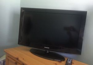 32 inch samsung tv for Sale in Long Beach, CA