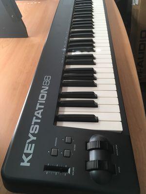 M-Audio Keystation 88 Midi Keyboard + Stand for Sale in Berwyn, IL