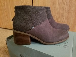Tom's Booties size 6.5 for Sale in Sedro-Woolley, WA
