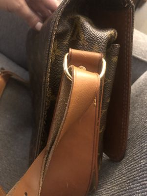 LOUIS VUITTON for Sale in Puyallup, WA