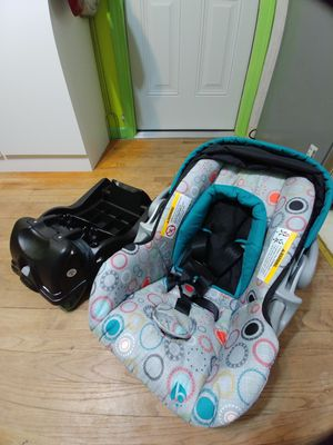 Car seat for Sale in Jacksonville, AR
