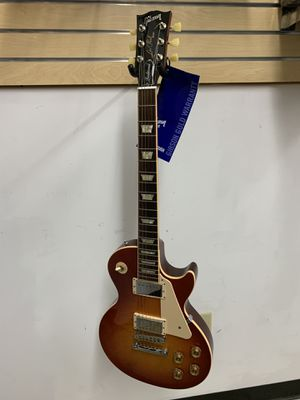 2013 LES PAUL TRADITIONAL HERITAGE CHERRY SUNBURST CHROME HARDWARE ELECTRIC GUITAR for Sale in Raleigh, NC