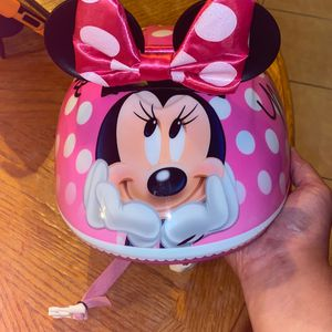 Like NEW Minnie Mouse Disney Helmet for Sale in Henderson, NV