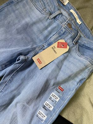 Levi's skinny jeans for Sale in Grandview, WA