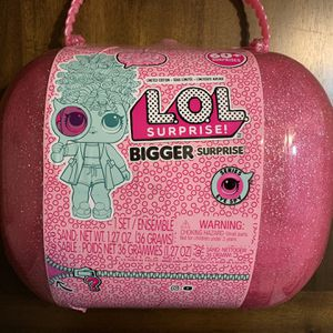 LOL Surprise! Bigger Surprise with 60+ Surprises Giant LOL Ball Mystery Toy for Sale in Chula Vista, CA