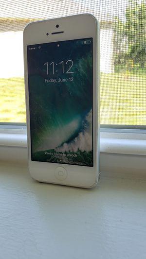 iPhone 5 (16gb) Read Description for Sale in Canton, GA