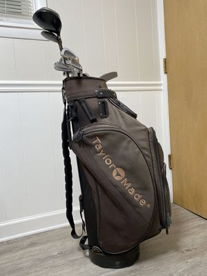 Golf Clubs - Ben Hogan Irons w/ mix of Titleist & Taylor Made Golf Bag for Sale in Chicago, IL