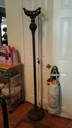 Metal floor lamp for Sale in Winchester, CA