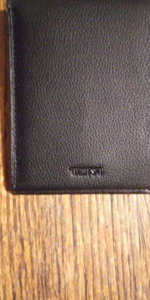 Tumi wallet for Sale in San Diego, CA
