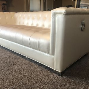 Pearl White Leather Couch for Sale in Grapevine, TX
