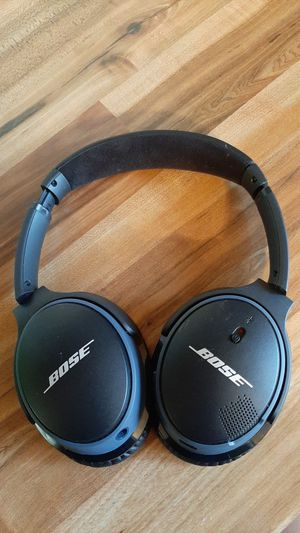 BOSE New headphones used for once I did not like them I have your bag asking for $ 150 or trade for Iphone 6 or Iphone 6 plus for Sale in Granite City, IL