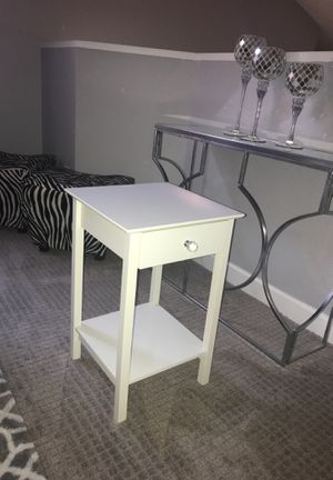 White modern crystal farmhouse night stand table for Sale in Phoenix, AZ