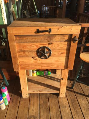 Wooden ice chest for Sale in Dallas, TX