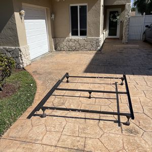 FREE Bed Frame for Sale in Fort Lauderdale, FL