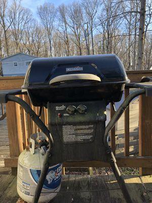 Gas grill for Sale in Manassas Park, VA
