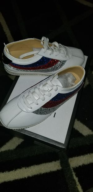 Gucci women's size 7 or kids size 7 for Sale in Nashville, TN