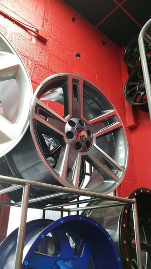 24in carbon series rim n tire for Sale in Houston, TX