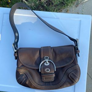 2000s Genuine Leather Brown Coach Shoulder Bag With Contrast Stitching for Sale in Redlands, CA