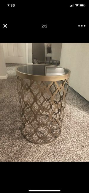 Stylish Wayfair Side Table for Sale in Naperville, IL