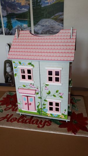 Doll House Great condition for Sale in Anaheim, CA