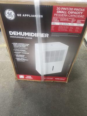 Ge dehumidifier 20 pint for Sale in Pawtucket, RI