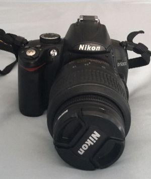 Nikon D5000 12.3 MP DX Digital SLR Camera for Sale in Valrico, FL