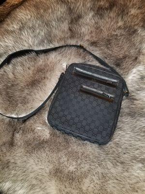 Gucci Crossbody/Messenger Bag for Sale in North Las Vegas, NV