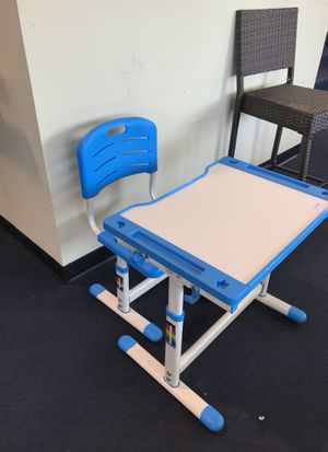 Kid desk for Sale in Duluth, GA