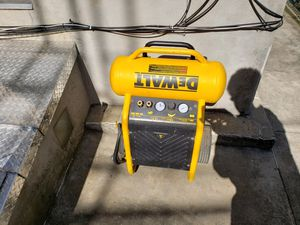 DeWalt 200 psi air compressor for Sale in New York, NY