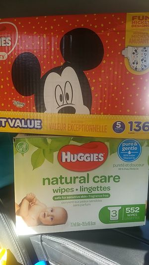 Huggies size 5 Diapers and Huggies Wipes for Sale in Fresno, CA