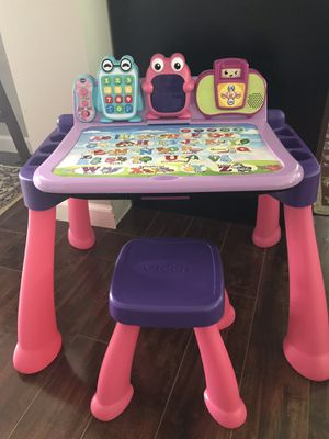 VTech activity desk deluxe for kids for Sale in Minneapolis, MN