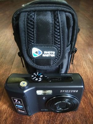 Camera and case. No charge cable works on AA batteries for Sale in Zephyrhills, FL