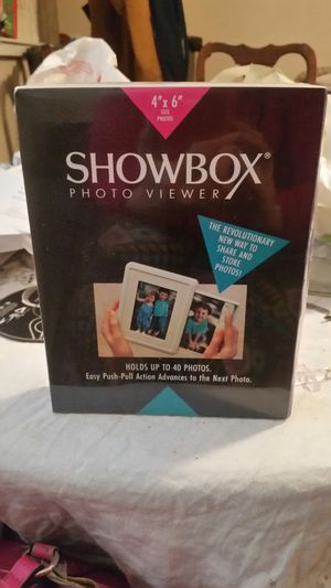 SHOWBOX Photo viewer for Sale in South Attleboro, MA